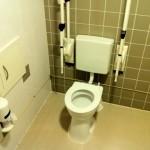 Te weinig toiletten en vaak zijn ze ook nog vies ook