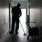 CNV: Proefschrift onzichtbare schoonmaker zet aan het denken