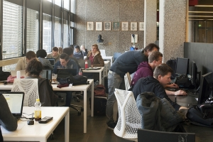 (Foto: Jeanine Schrijver) / aanbesteding schoonmaak TU Delft