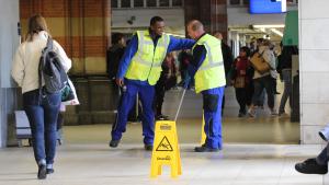"""Ten Broeke: """"Bij de aanvragen voor opleidingen in het vervoer valt op dat deze schoonmakers in hun directe omgeving - werkplek of naasten - in aanraking zijn gekomen met een beroep uit de vervoerssector."""""""