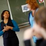 Schoonmakers Hago vertellen over vak op basisscholen