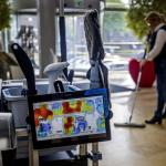Digitalisering schoonmaak: tablet op de werkwagen