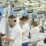 Open dag bij industriële wasserij van Rentex Floron