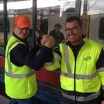 Ahmet's droom komt uit: een trein schoonmaken