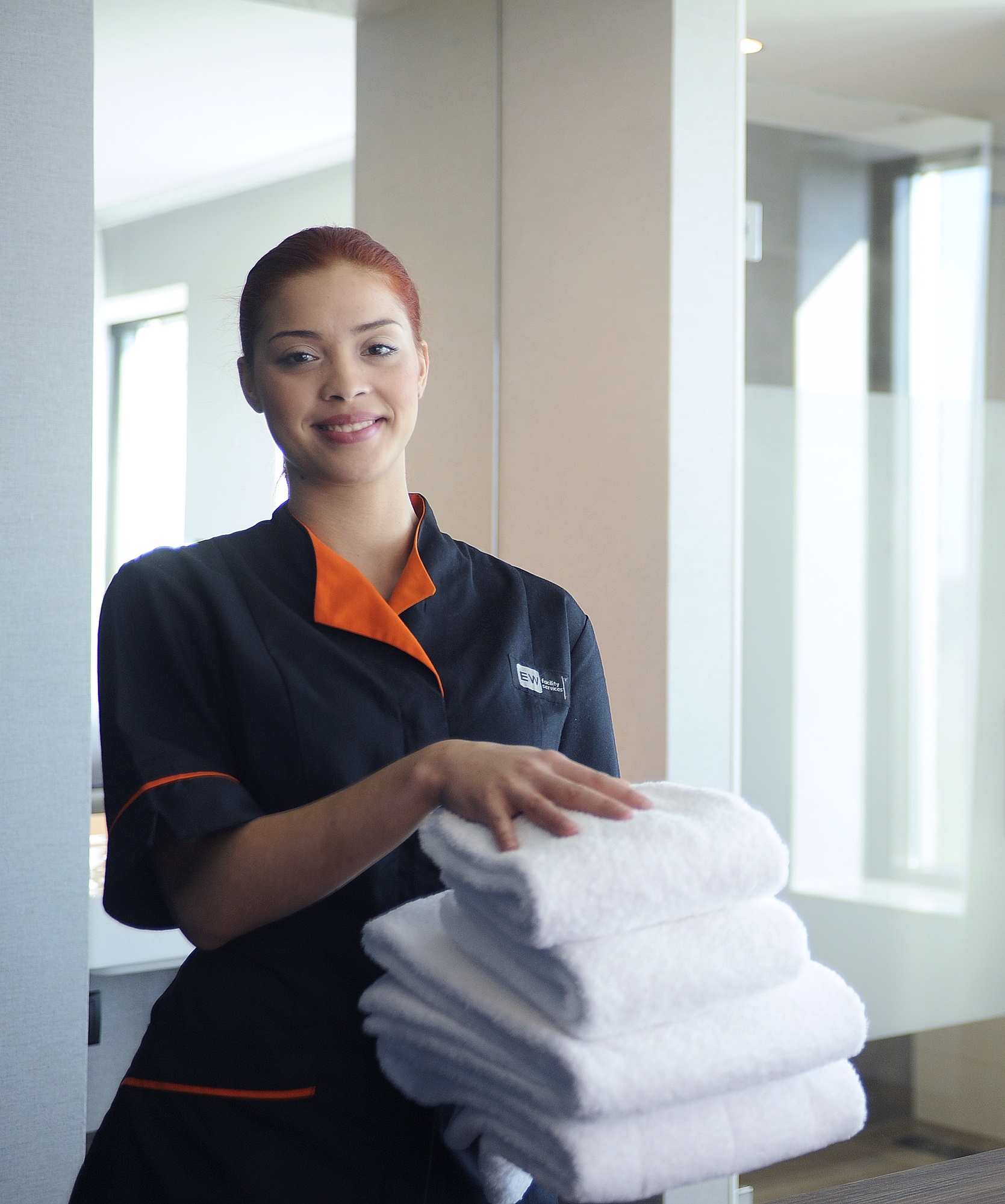 Hotel Housekeeping Services: EW Facility Services Housekeeping-partner Hotelkamer Van