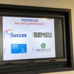 Directeurs schoonmaakbedrijven vieren contract bij Rochdale