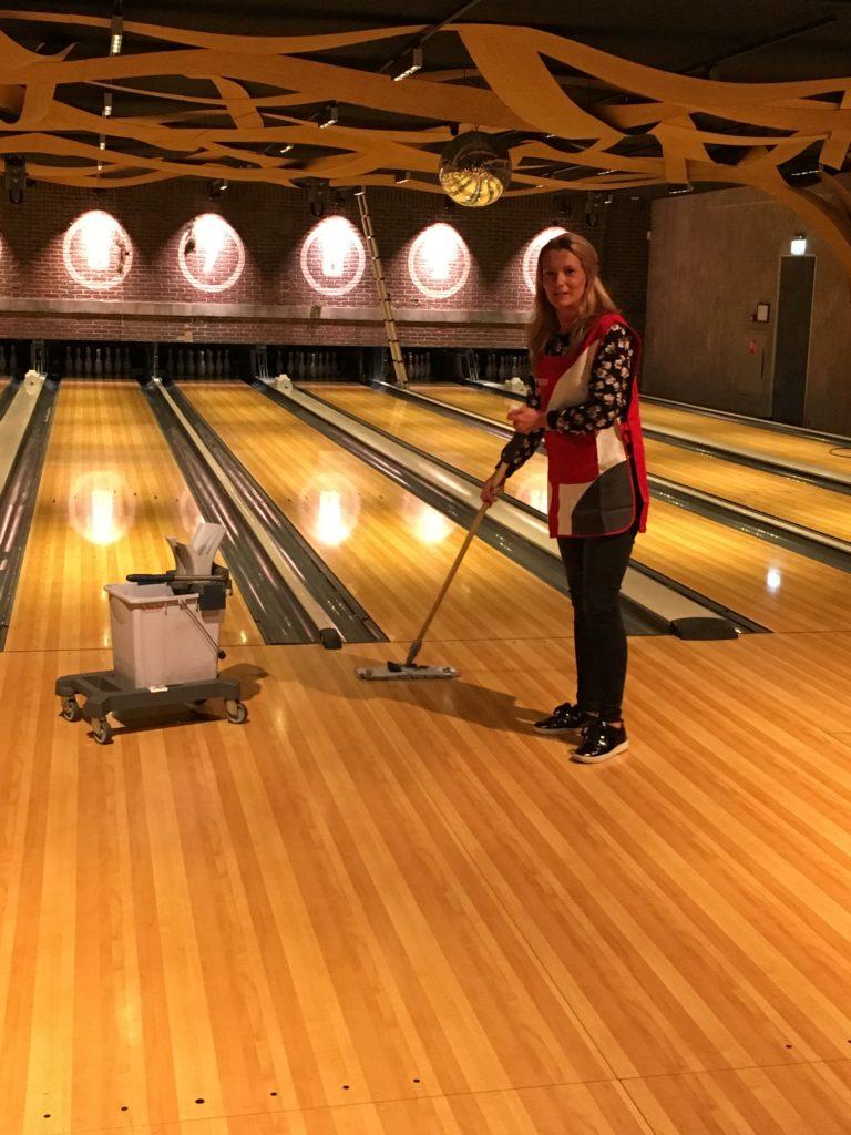 De werkplek van Chantal Vesteeg van Hommerson Schoonmaakbedrijf: Bison Bowling in Utrecht