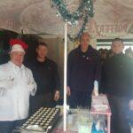 Gom bakt poffertjes op 's Heerenloo onder motto Glazenwassers hebben hart voor de zorg