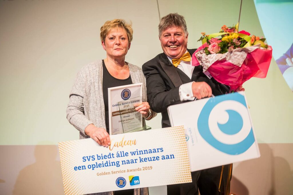 Evelyn Kolkman werd tijdens de Golden Service Awards uitgeroepen tot Leidinggevende van het Jaar 2019