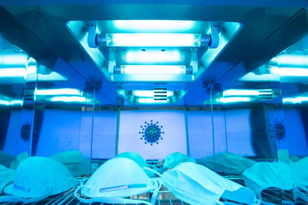 UV-C-licht wordt al langer gebruikt voor het ontsmetten van medische materialen